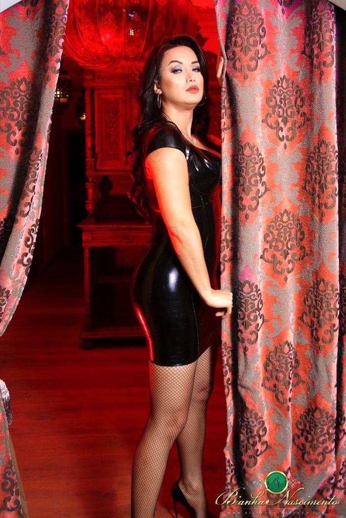 Bianka Likes To Get Freaky In A Seductive Latex Skirt