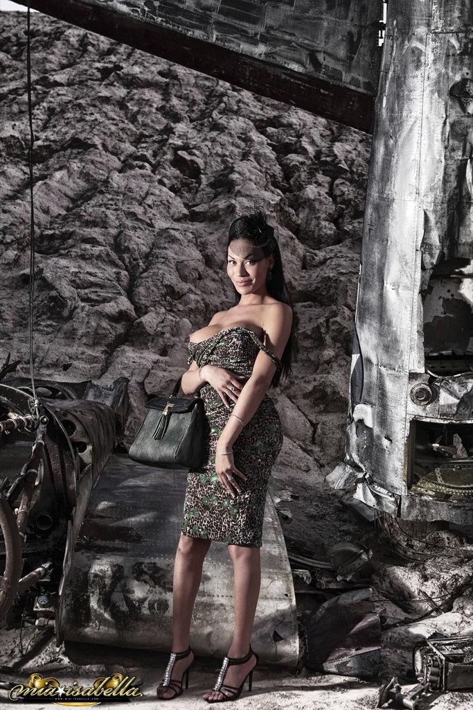 glamorous ts mia isabella posing outdoors