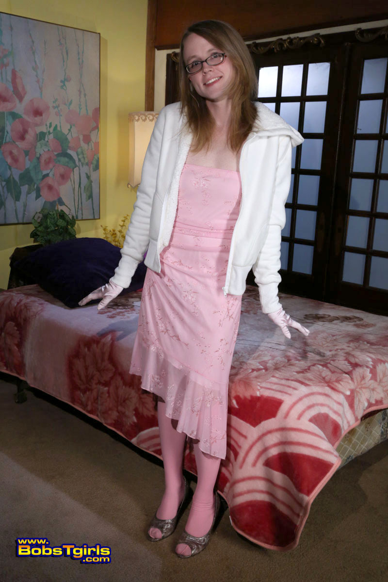 sweet transexual sadie plays on the bed