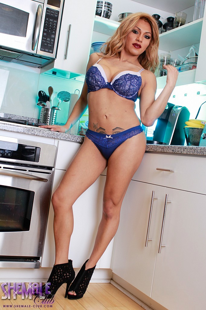 wonderful jessy strips in kitchen