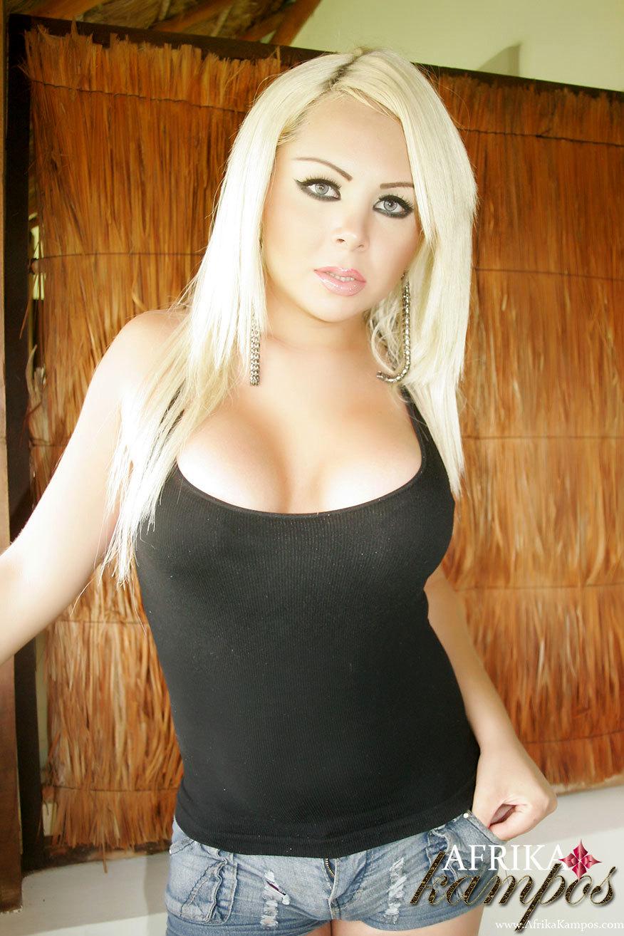 yummy tgirl afrika kampos flashes her breasts